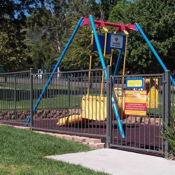 ChildSure® playground fencing in a 1200mm high minimum, flat top style is recommended to eliminate potential head entrapment points.