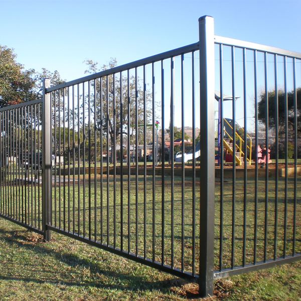 ChildSure® playground fencing with a 19mm round steel upright and 40x40x1.6mm rail in a1200mm high flat top style.
