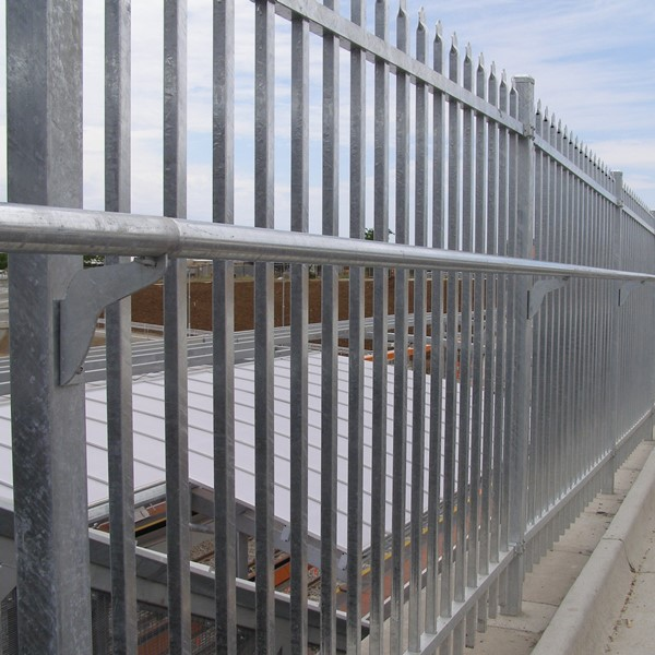 The CycSafe® system being used with SecuraTop® security fencing on a section of the 'Coast to   Vines' bike trail, Adelaide.