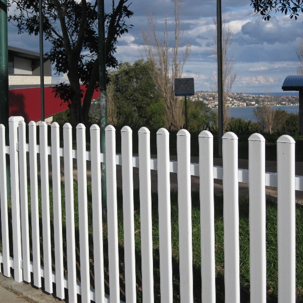 Headingly® 900mm high steel picket fencing installed at Rawson Oval Mosman overlooking Sydney harbour.