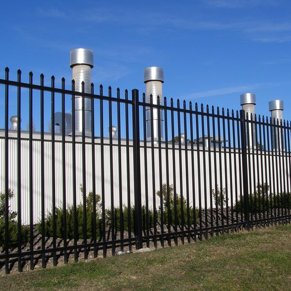 Bluedog SecuraTop® tubular security fencing is available in an 1800, 2100 and 2400mm high panel depending on the application and a security risk assessment.