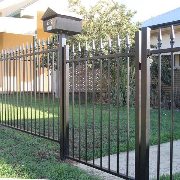 Smart'nSafe® 1200mm high Carthage spear style single gate and letter box in a night sky black powder coated finish.