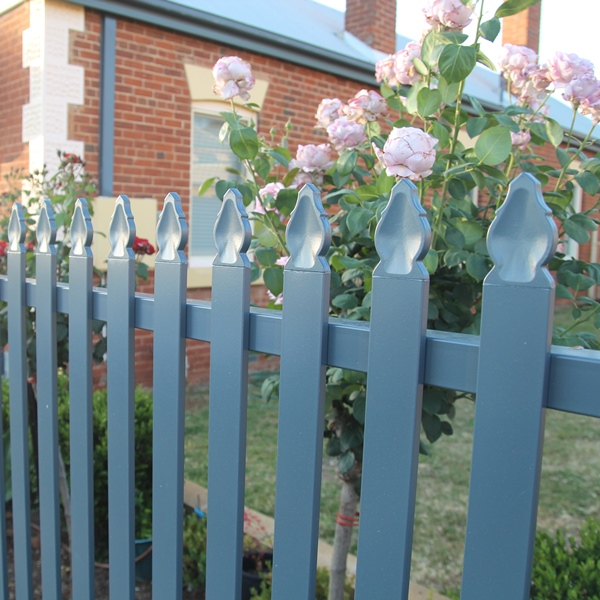 Tunbridge® Steel Picket Fencing