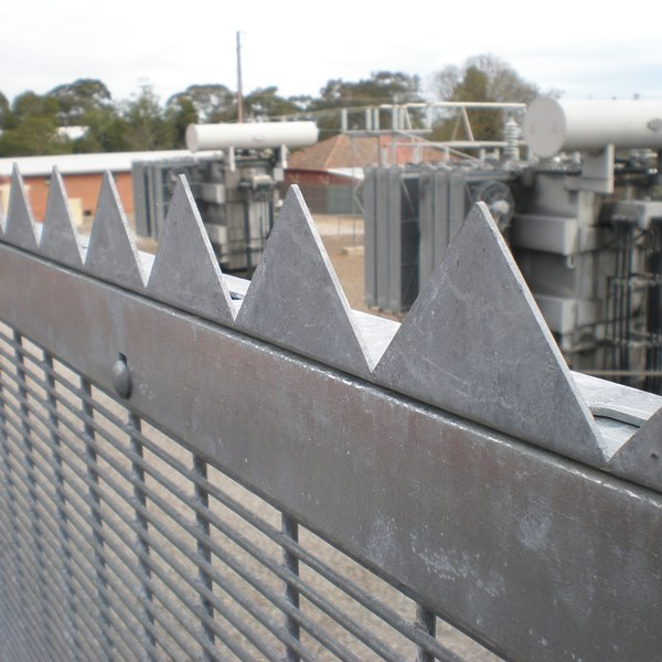 50x50x2mm serrated topping can be fixed to the 50x50x6mm top rail to further increase the deter and delay value of the fence.