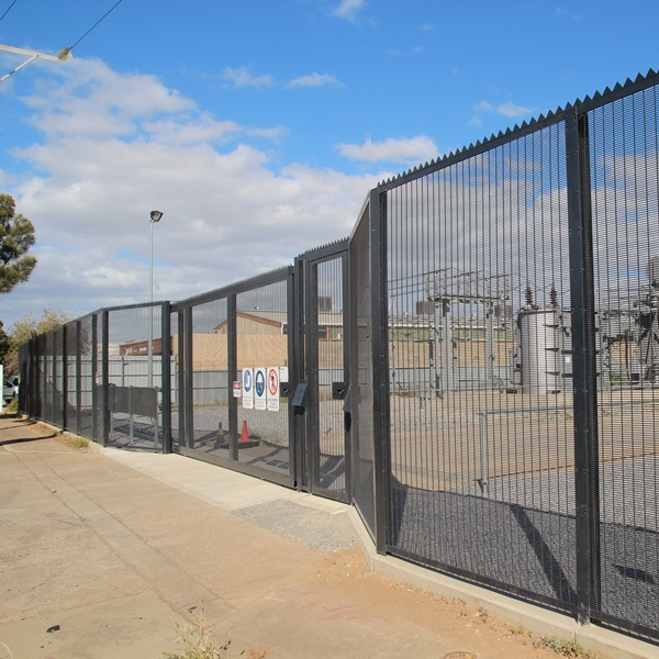 The 8 metre heavy duty track sliding gate is fabricated from 100x100 steel sections and is hot dip galvanised after fabrication and then powder coated.