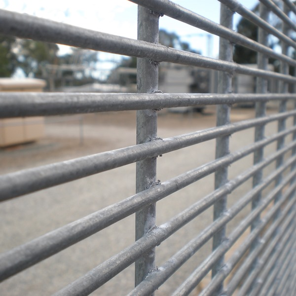 The welded mesh has a heavier vertical wire of Ø5.6mm compared to the Ø4mm wire standard in 358 mesh fencing. This makes the panel even harder and time consuming to cut without the aid of power tools increasing the deter and delay value of the fence.