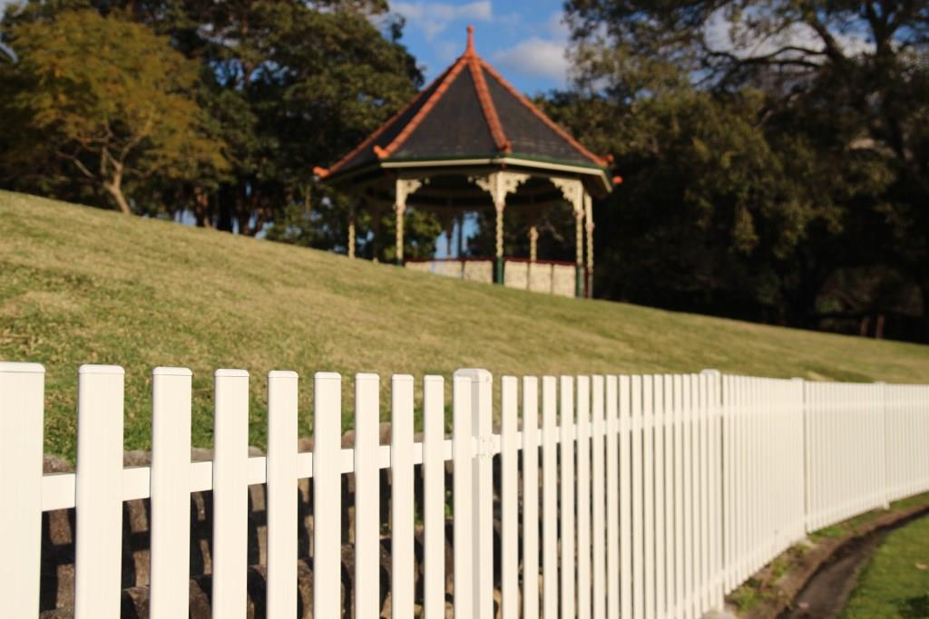 Cricket Oval Picket Fence